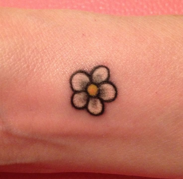 Small Daisy Tattoo ... like the shading on this one