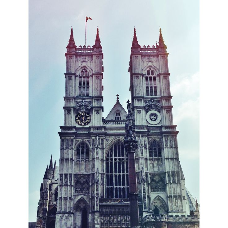 Abadía de Westminster luagar donde fue enterrado William Wilberforce, quien lucho y logro abolir la ley de esclavitud en Inglaterra / Westminster Abbey where he was buried William Wilberforce, who fought and achievement abolish the law of slavery in England