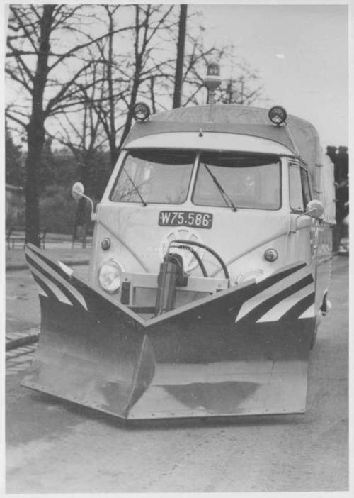 Vw Bug Camper >> VW split with snow plow attachment | Bug | Pinterest