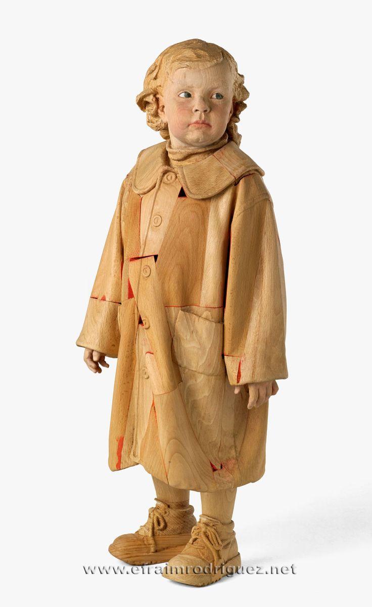 <p><strong>Giorgia amb abric</strong>/ Giorgia con abrigo/ Giorgia with coat, 2014. 86 x 37 x 25 cm.</p> <p>Fusta de faig pintada</p> <p><span>Madera de haya pintada</span></p> <p>Painted beechwood</p>