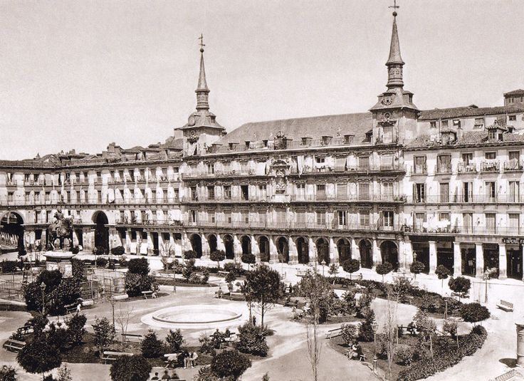 Plaza Mayor, 1870.