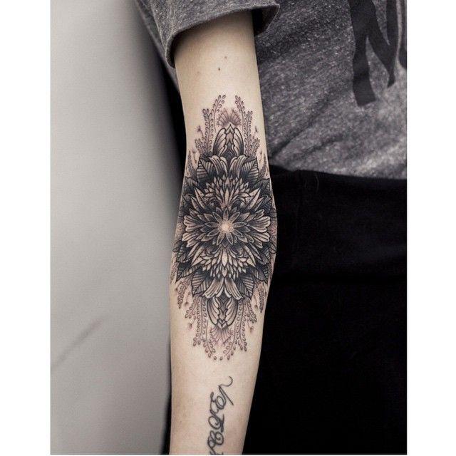 Inner Elbow Mandala Tattoo: Tatuajes En El Codo, Tatuajes Al