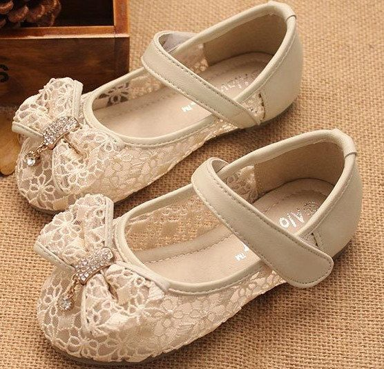 Ivory Lace Girls Shoes  Wedding Shoes Flower Girls by laceNbling