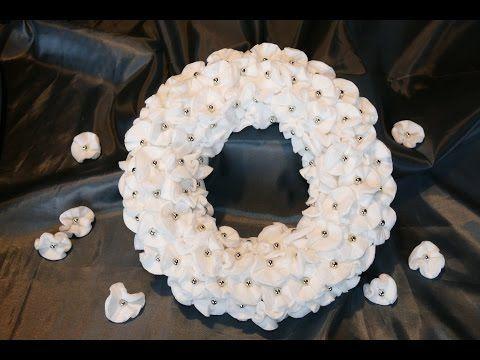 Kranz basteln aus Wattepads und Perlen – einfach - YouTube