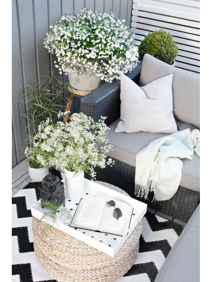 351 best 2017 2018 images on pinterest floral for Small room karen zoid chords