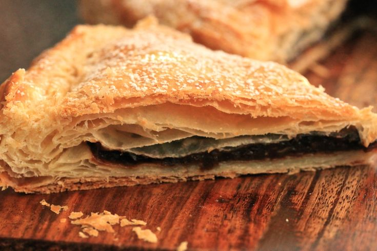 Glarner Pastete...a pastry with plum and almond filling (1) From: Lafete Deemily, please visit