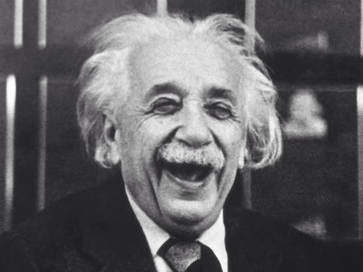 Если вы хотите вести счастливую жизнь, вы должны быть привязаны к цели🎯, а не к людям или к вещам. Альберт Эйнштейн