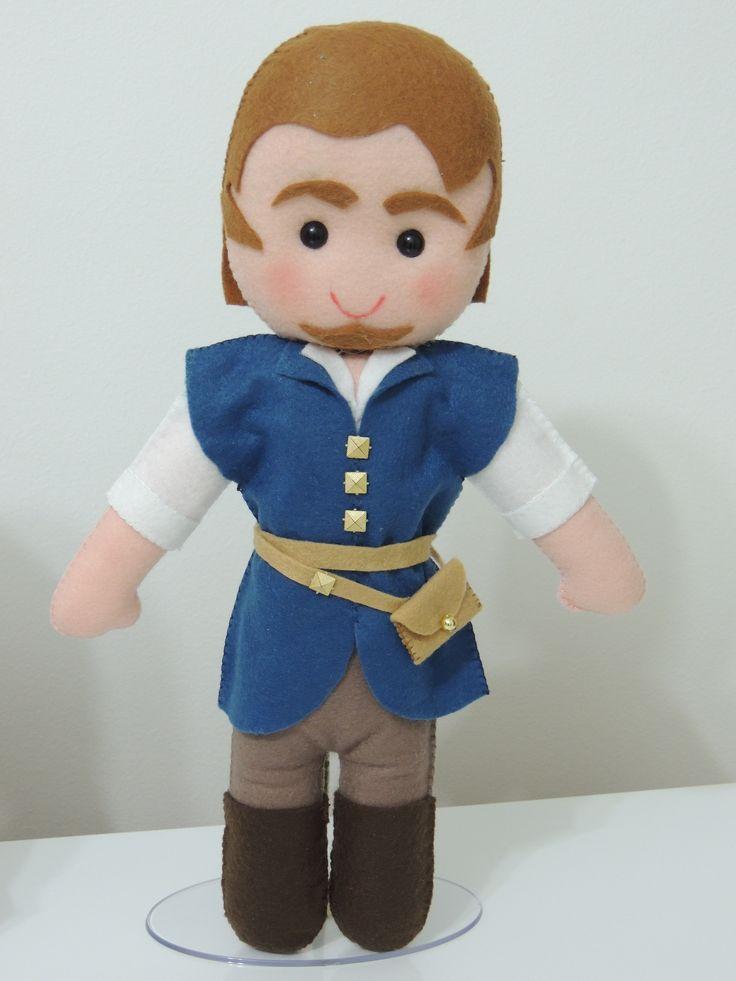FLYNN RIDER - Enrolados Personagem feito em feltro para decoração da festa da Rapunzel. www.facebook.com/kfofodasartes