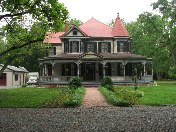 queen anne big and beautiful singles Queen anne style is one of last victorian era styles, showing the most opulent developments queen anne is all about exuberant rounded bays, wrapping porches, so-called candlesnuffer towers, and ornamental.