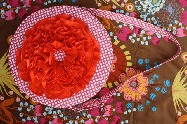 Sew Sweetness: Tutorial: The Red Poppy Bag