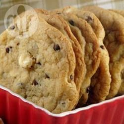 ♥ Best big, fat, chewy chocolate chip cookies recipe. I use this recipe ALL the time and the results are always PERFECT!! Check out my blog, link in bio! ♥