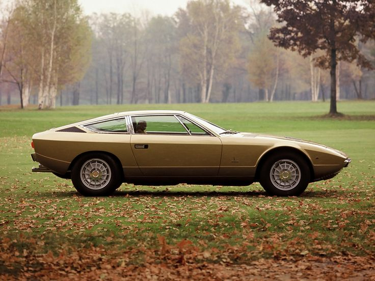 Maserati Khamsin: Saw one new in the showroom. Simple lines - tidy.