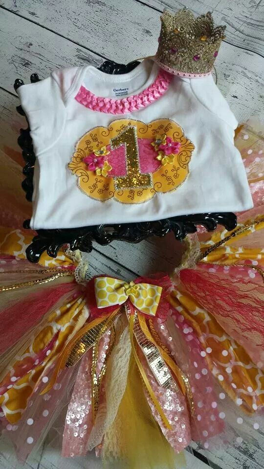 Pink lemonade tutu set you are my sunshine party theme first birthday party theme smash cake tutu outfits 1st birthday themes yellow pink gold birthday party Www.Facebook.com/sugardivasdesigns www.etsy.com/shop/SugarDivasDesigns