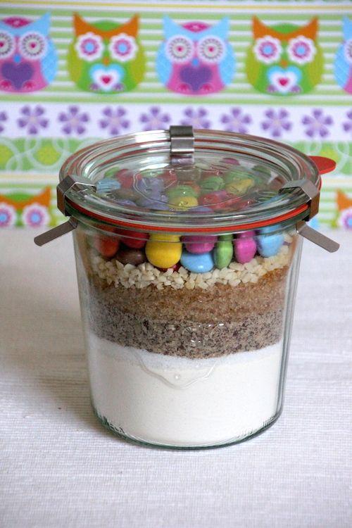 Backmischung im Glas für Smarties-Nuss Muffins aus dem eBook 'Backmischungen im Glas' www.joinmygift.com/ebook