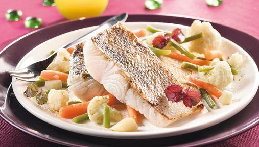 Recette : Sandre rôti sur peau, Sauce Beaujolaise, ragoût de Girolles & légumes de Saison