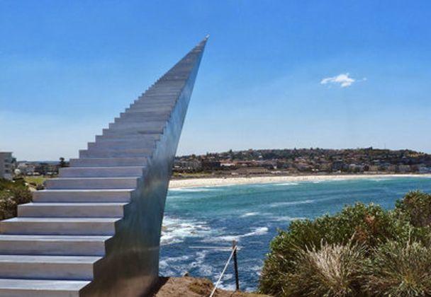 オーストラリア・シドニーにあるボンダイビーチには、「天国の階段」と呼ばれるスポットが存在しています。