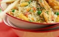 Découvrez la recette de riz cantonais et poulet au citron du chef étoilé Cyril Lignac. Un excellent plat qui fait honneur à la cuisine asiatique.