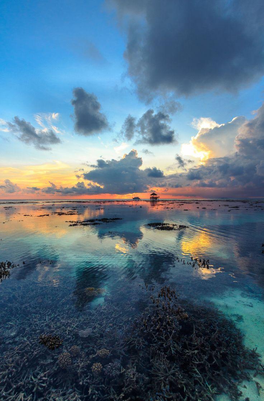Sunset in Maldives on 500px by Jana Vitoušková, Liberec, Česká republika ☀ Canon EOS 650D-f/6.3-1/80s-10mm-iso100, 1972✱3000px-rating:88.7 ◉ Photo location: Google Maps