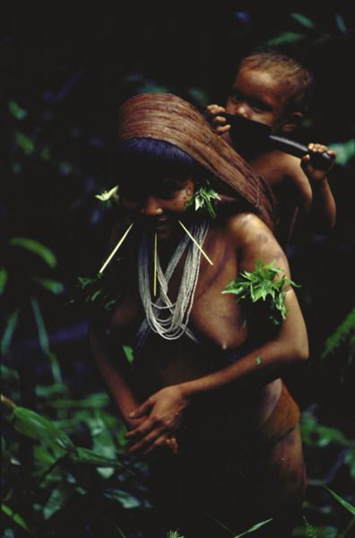 Yanomami Indian mother and child in the amazonian state in Venezuela.