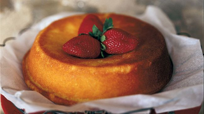 Buttermilk Cake with Strawberries - Maggie Beer