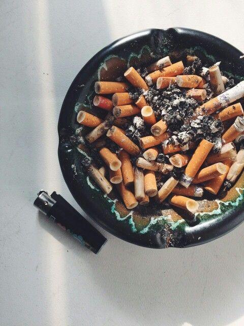Una sigaretta per ogni promessa sfumata