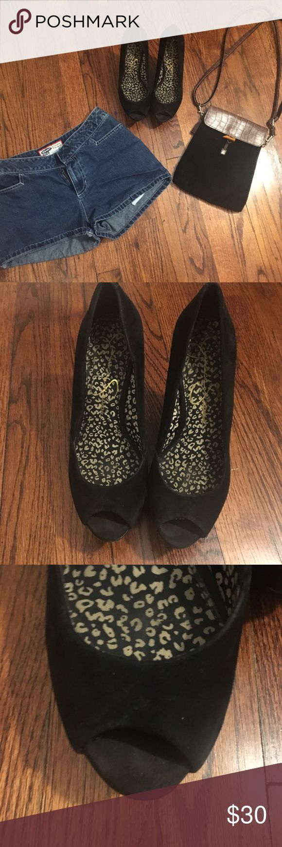 Jessica Simpson wedges! I love, love, love this heels! They are very comfortable and you can walk on them for a long time! They have some signs of use, but they still have a lot of life! Jessica Simpson Shoes Wedges