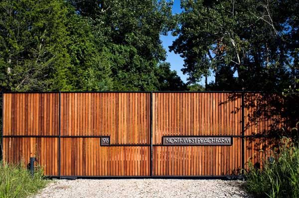 Understanding How To Choose The Right Fence For Your Garden: Wood Fence Designs Ideas