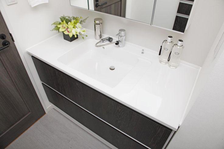 ボール一体型洗面台はお掃除がしやすく便利です。