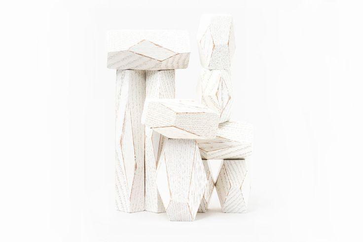 Aantal: 1 Ontwerper: Fort Standard Fabrikant: Areaware Omschrijving: Balanceer deze tien gefacetteerde houten blokken, in de vorm van een steen, om je eigen toren of sculptuur te bouwen. Dit klinkt…