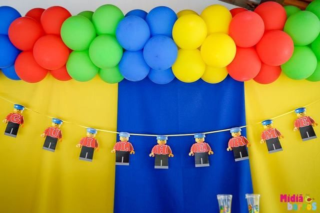 Decorations at a Lego Party #lego #party