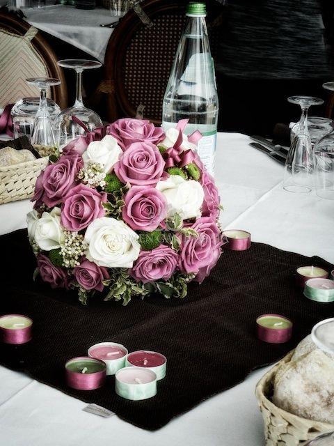 decorazione fiori a sfera per la tavola