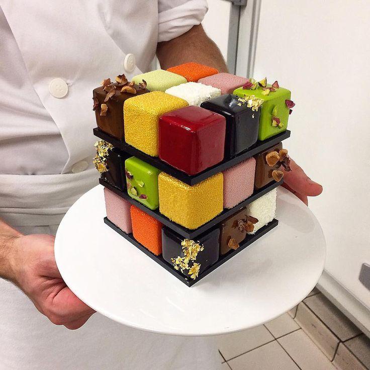 Este chef francés inventó un pastel en forma de cubo Rubik. Es demasiado lindo como para comérselo | Tiny Tere