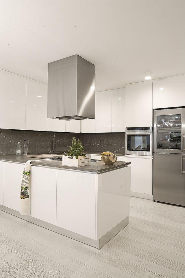 Oltre 1000 idee su cucine cucina bianca su pinterest - Cucina laccata bianca ...