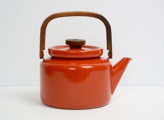 Finel  enamel / teak handle coffee maker / coffee pot / kettle  / ARABIA Finland / RARE vintage collectible /Scandinavian mid century modern