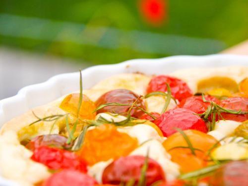 Tomatenfoccacia - super Mitbringsel für Gartenpartys. Leckeres Thermomix Rezept, das am besten warm schmeckt. http://www.meinesvenja.de/2011/06/21/tomatenfoccacia-at-its-best/