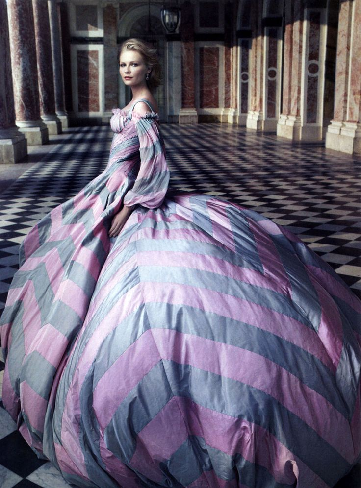 Annie Leibovitz photography Kirsten Dunst  #fairytale