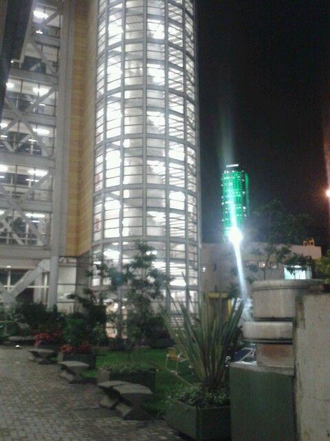 Torre Colpatria en verde