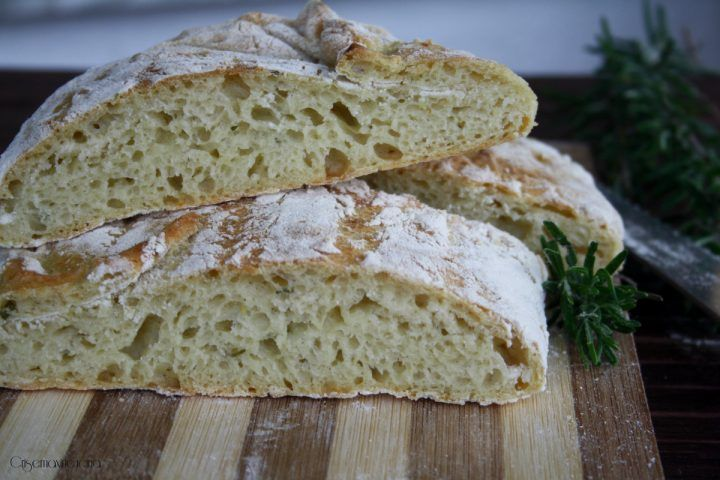pane di patate e rosmarino