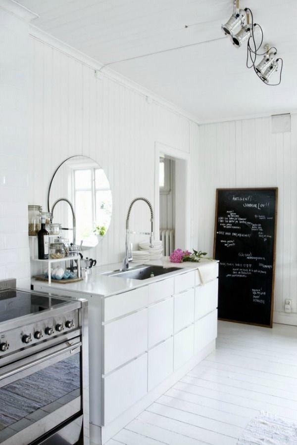 25 beste idee n over donkere kleuren verf op pinterest donkere geschilderde muren kamer - Deco romantische kamer beige ...