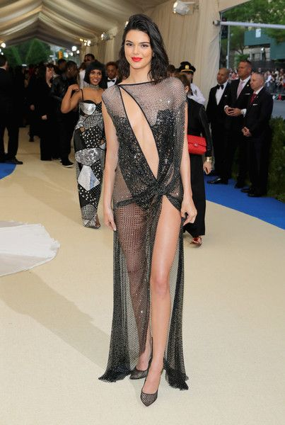 """Kendall Jenner Photos Photos - Kendall Jenner attends the """"Rei Kawakubo/Comme des Garcons: Art Of The In-Between"""" Costume Institute Gala at Metropolitan Museum of Art on May 1, 2017 in New York City. - """"Rei Kawakubo/Comme des Garcons: Art of the In-Between"""" Costume Institute Gala - Arrivals"""