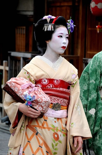 Maiko (became geiko; now retired) Ayakazu of Gion Kobu