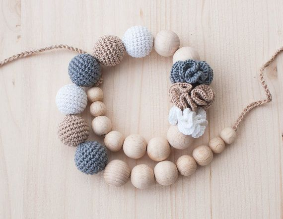 Neutral nursing necklace / Teething necklace / Crochet nursing necklace - Beige, White,  Grey - Necklace with flowers