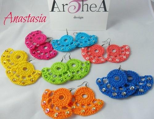 ♥ ANASTASIA ♥ Colori: arancio - blu elettrico - corallo - turchese - fuxia - giallo -verde fluo ♥ Orecchini in cotone italiano crochet, finiture metallo bronzato Pz. 10 € + spese spediz. -------------------------Per qualsiasi richiesta o informazione invia una mail a : info@artheadesign.it
