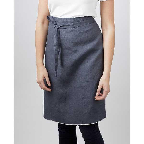 Verso Leija Linen Aprons in Grey | Kitchen Accessories | Finnish Design | www.homearama.co.uk | #verso #versodesign #apron #linen #kitchenaccessories #cookingaccessories #finnishdesign
