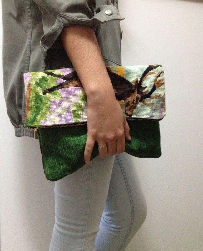 Pochettes Mes Biches en canevas recyclé : http://www.lequitable.fr/boutique/fr/sac-en-canevas/528-pochettes-mes-biches.html