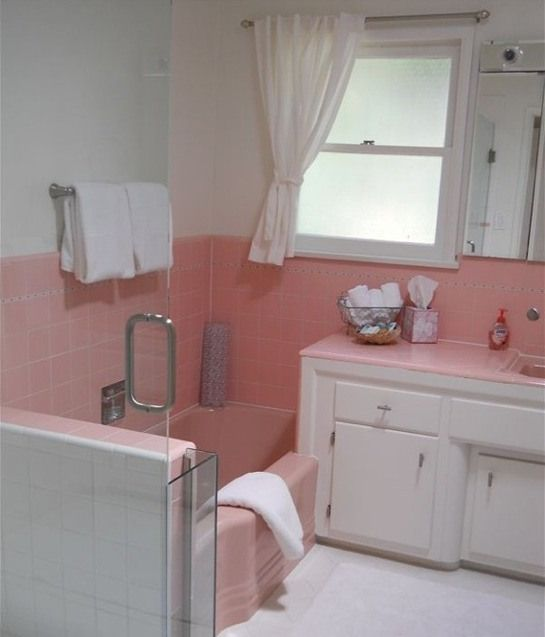 Awesome ideas for preserving pastel retro original bathrooms - tons of pics