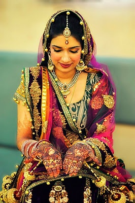 Indian Wedding Dresses are full of colors and details - http://casualweddingdresses.net/indian-wedding-dresses-step-into-a-world-of-color-bliss-and-refined-elegance-with-the-latest-indian-wedding-dresses/