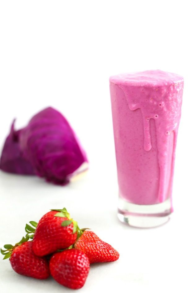 Clean Strawberry Smoothie - According to Elle