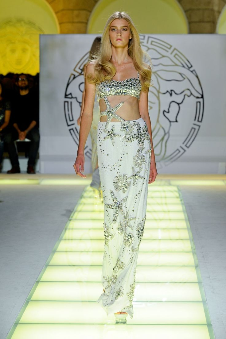 I wish I was a little mermaid: Runway Fashion, Fashion Week, Versace 2012, Mermaids Style, Fashion Trends, Versace Spring, 2012 Runway, Spring 2012, Haute Couture