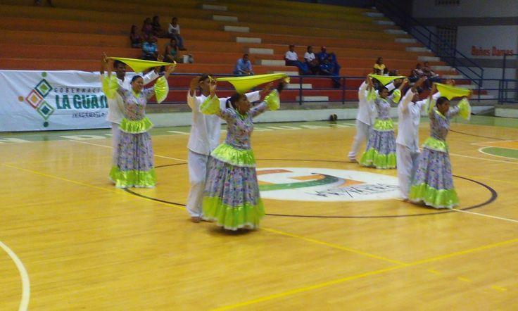 Torneo Nacional de Maxi Baloncesto se inauguró este miércoles en Riohacha ~ Entre Notas Rosa